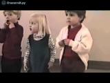 Мальчик неудачно чихнул перед девочкой...)))))))))))